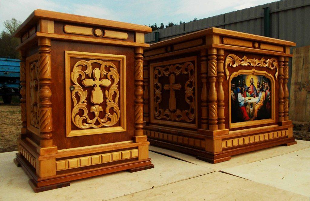 Деревянный жертвенник и престол на заказ